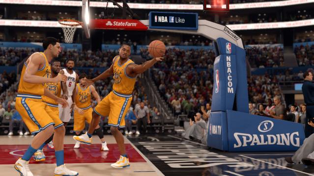EA SPORTS™ NBA LIVE 16 (26)